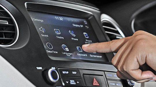 Les avantages de l'autoradio Android avec MirrorLink